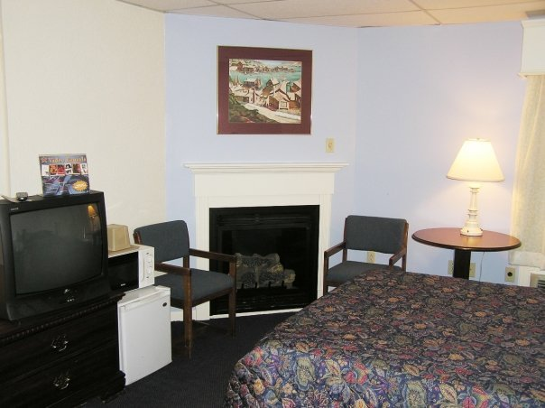 Fireside Inn & Suites - Bangor, ME