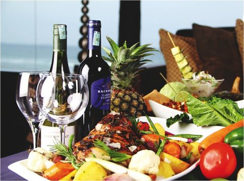 Sea Cliff Hotel - Karambezi Cafe Food