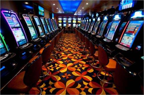 Sea Cliff Hotel - Casino Slot Machines