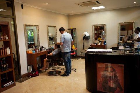 Sea Cliff Hotel - Top Knots Hair Salon