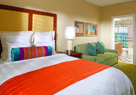 Marriott's Royal Palms - Guest Room - Queen Bedroom