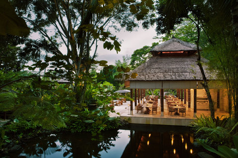 Uma Ubud - Kemiri Restaurant At Night