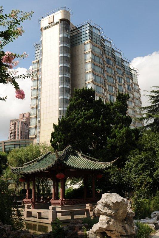 Grand Millennium Shanghai HongQiao Вид снаружи