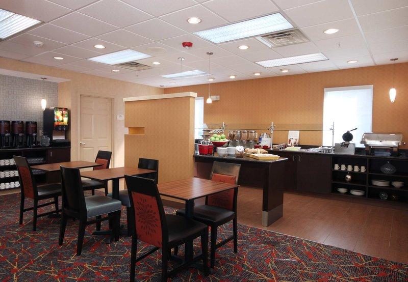 Residence Inn Houston Intercontinental Airport at Greenspoint Ресторанно-буфетное обслуживание