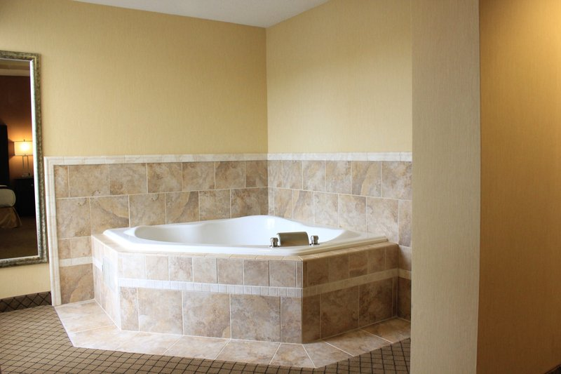 Holiday Inn Express LEWISBURG/NEW COLUMBIA - New Columbia, PA