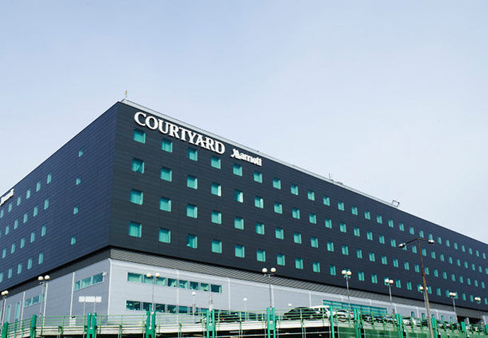 Courtyard Warsaw International Airport Hotel 外景