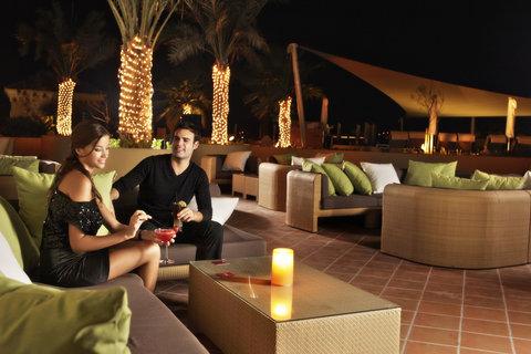 Amwaj Rotana - Rosso Outdoor Sofa Lounge Area