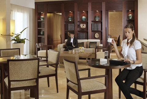Amwaj Rotana - Club Rotana Lounge
