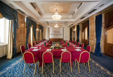 Hotel Bernini Bristol - Small Luxury Hotels of The World - Sala Giada Ferro Cavallo