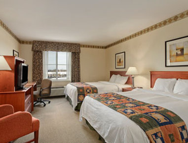 Baymont Inn & Suites Grand Rapids SW/Byron Center - Two Queen Upgrade Room