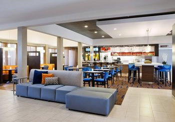 Courtyard by Marriott- Camelback/Phoenix - Lobby