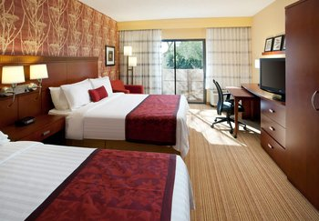 Courtyard by Marriott- Camelback/Phoenix - Room