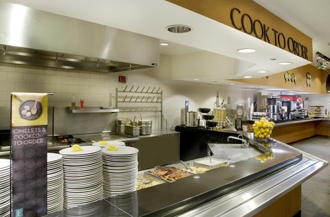 Embassy Suites Chicago DowntownLakefront - Cooked-to-order breakfast