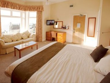 Days Hotel Bournemouth - Guest Room