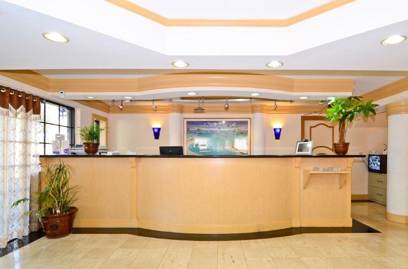 Americas Best Value Inn - Fort Myers, FL