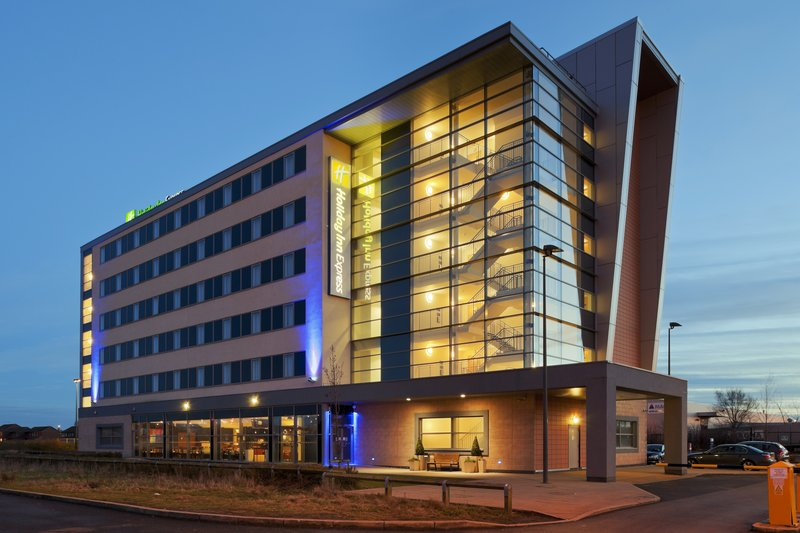 Holiday Inn Express Liverpool-John Lennon Airport Vista exterior