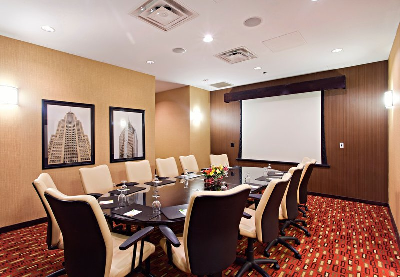 Courtyard by Marriott Chicago Magnificent Mile Toplantı salonu