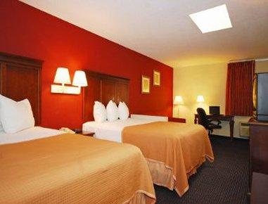Howard Johnson Express Inn Suites South Tampa Airport - Tampa, FL