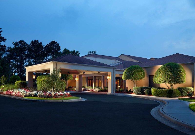 Savannah Garden Hotel In Savannah Ga 31405 Citysearch