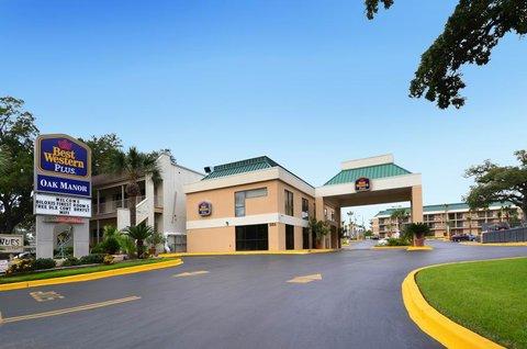 Best Western Oak Manor Hotel - Exterior