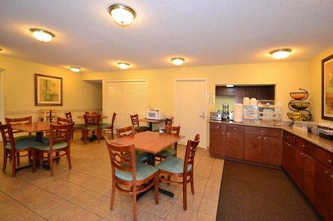 Best Western Oak Manor Hotel - Breakfast Area
