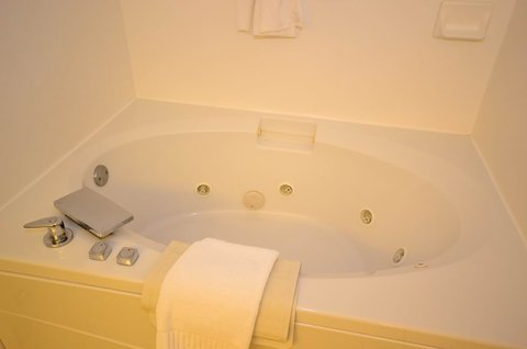 Best Western Oak Manor Hotel - King Jacuzzi Guest Room