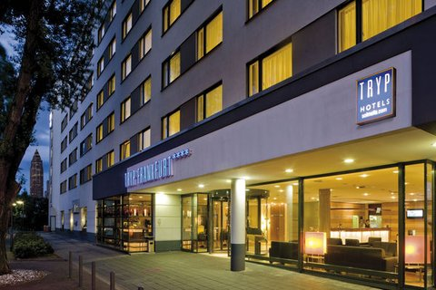 Tryp Hotel Frankfurt - Normal BTRYPFrankfurt General Night