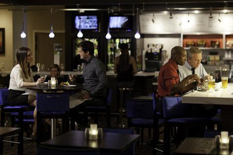 Courtyard Dallas DFW Airport North/Irving - Bistro Dinner