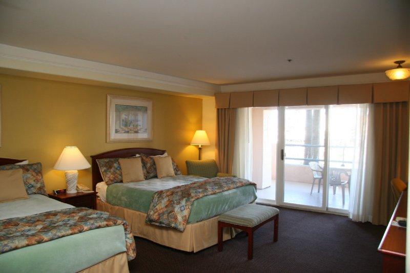 Tamarack Beach Resort by the Sea - Carlsbad, CA