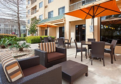 Courtyard Austin South - Outdoor Patio