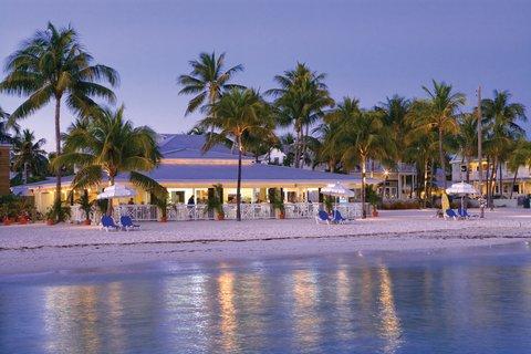 La Mer Hotel & Dewey House - Breakfast  Happy Hour At The Beach Caf