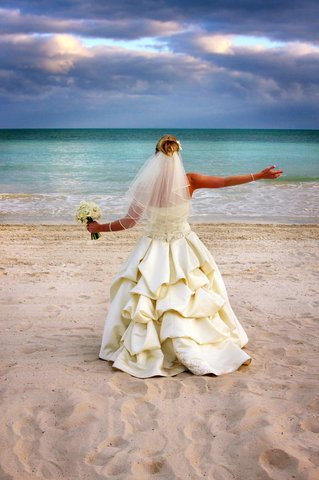 La Mer Hotel & Dewey House - Ring And Get Married On The Best Beach In Key West