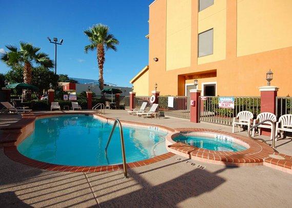 Comfort Suites Westchase  Pool