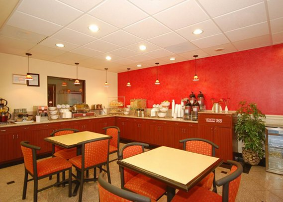 Comfort Suites Westchase  Restaurang