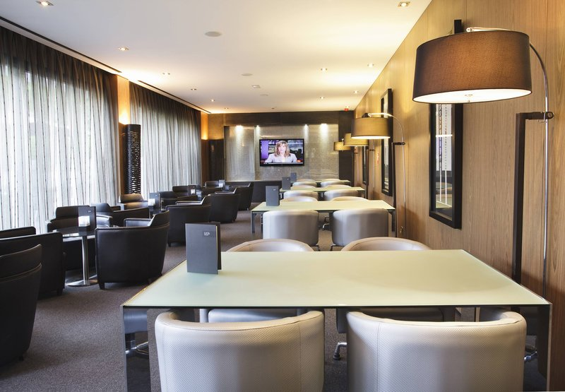 AC Hotel Atocha by Marriott Bar/Lounge