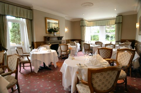 Duxford Lodge Hotel - Restaurant Main