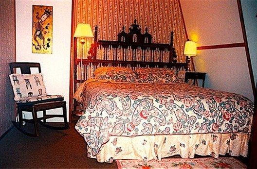 Whistler's Inn - Lenox, MA