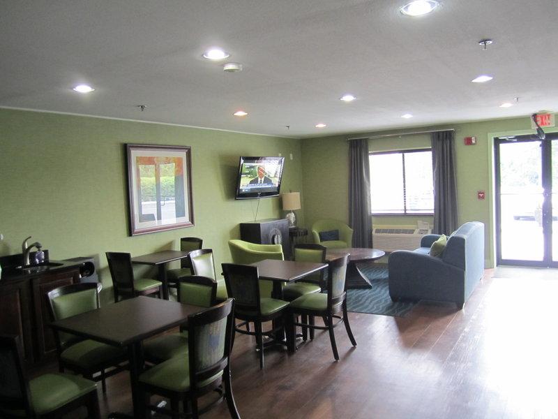 Country Hearth Inn - Cedartown, GA