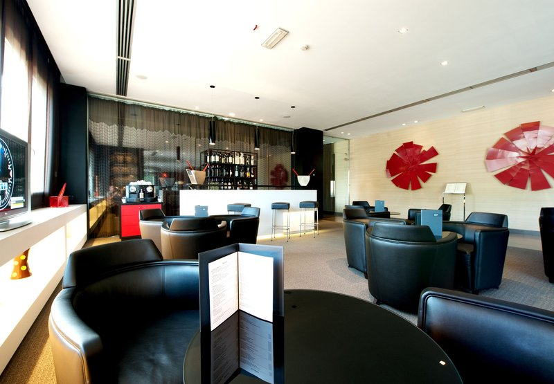 AC Hotel Padova by Marriott Bar/lounge