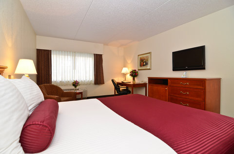BEST WESTERN PLUS Longbranch Hotel & Convention Center - Standard Queen Guest Room
