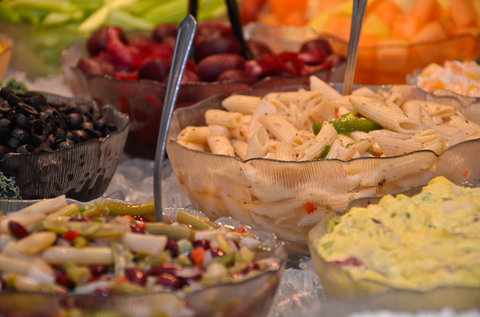 BEST WESTERN PLUS Longbranch Hotel & Convention Center - Homemade Salad Bar