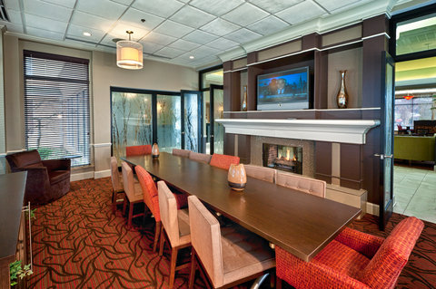 Hilton Garden Inn Chattanooga Hamilton Place - Our Library can be seat up to 12 conference style