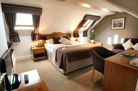 Duxford Lodge Hotel - Executive Bedroom