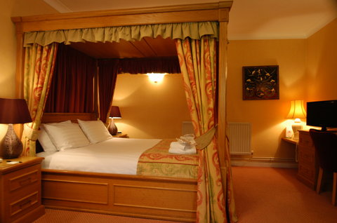 Duxford Lodge Hotel - Executive four poster