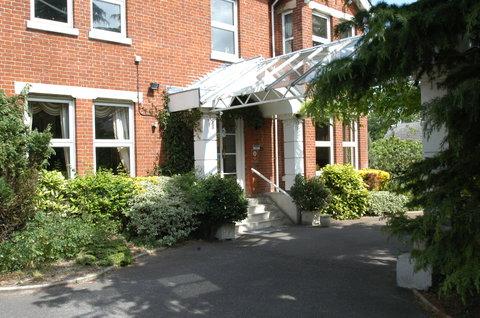 Duxford Lodge Hotel - Exterior