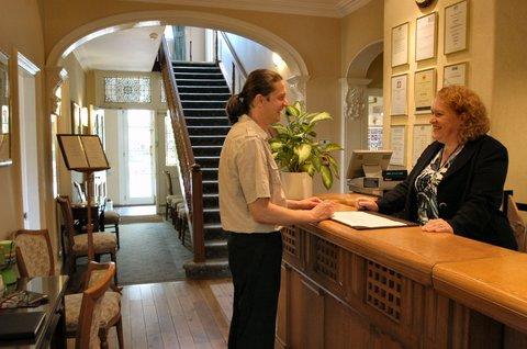 Duxford Lodge Hotel - Reception