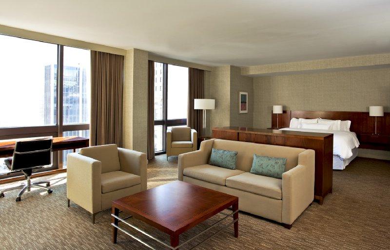 Hilton Cincinnati Netherland Plaza - Cincinnati, OH