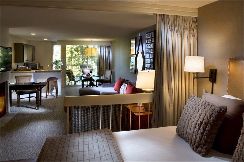 Le Parc Suites Hotel Suite