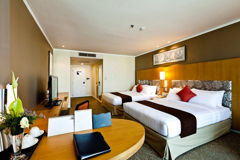 Royal Princess Larn Luang Hotel - Superior Plus Twin