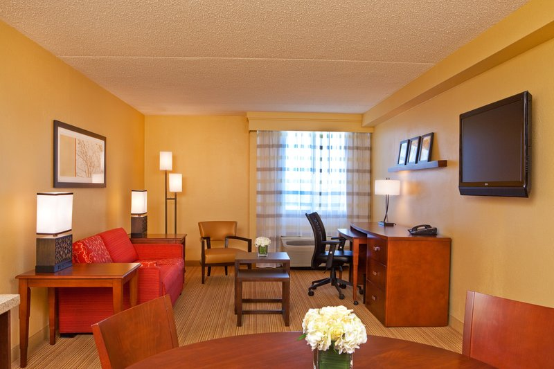 Courtyard By Marriott Alexandria Pentagon South - Alexandria, VA